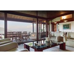 Роскошный дом на берегу озера Маджоре