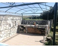 Дом в Сутоморе с большим садом