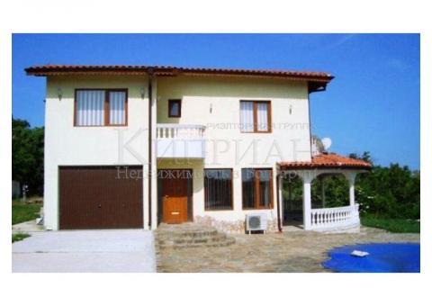 Роскошный двухэтажный дом в 18 км от Варны.