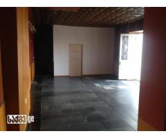 Продается коммерческая площадь 230 кв.м. в Гори, реконструирован и арендован долгосрочный контракт.
